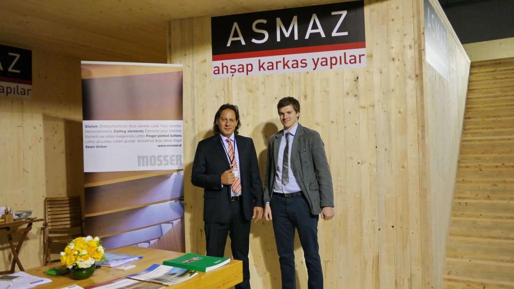 Thomas Lidl (Mosser İhracat Müdürü) - Mehmet Akif Asmaz (Ahşap Karkas Yapılar Yönetim Kurulu Başkanı) - YAF 2015 - Standımızı Ziyaret etti.