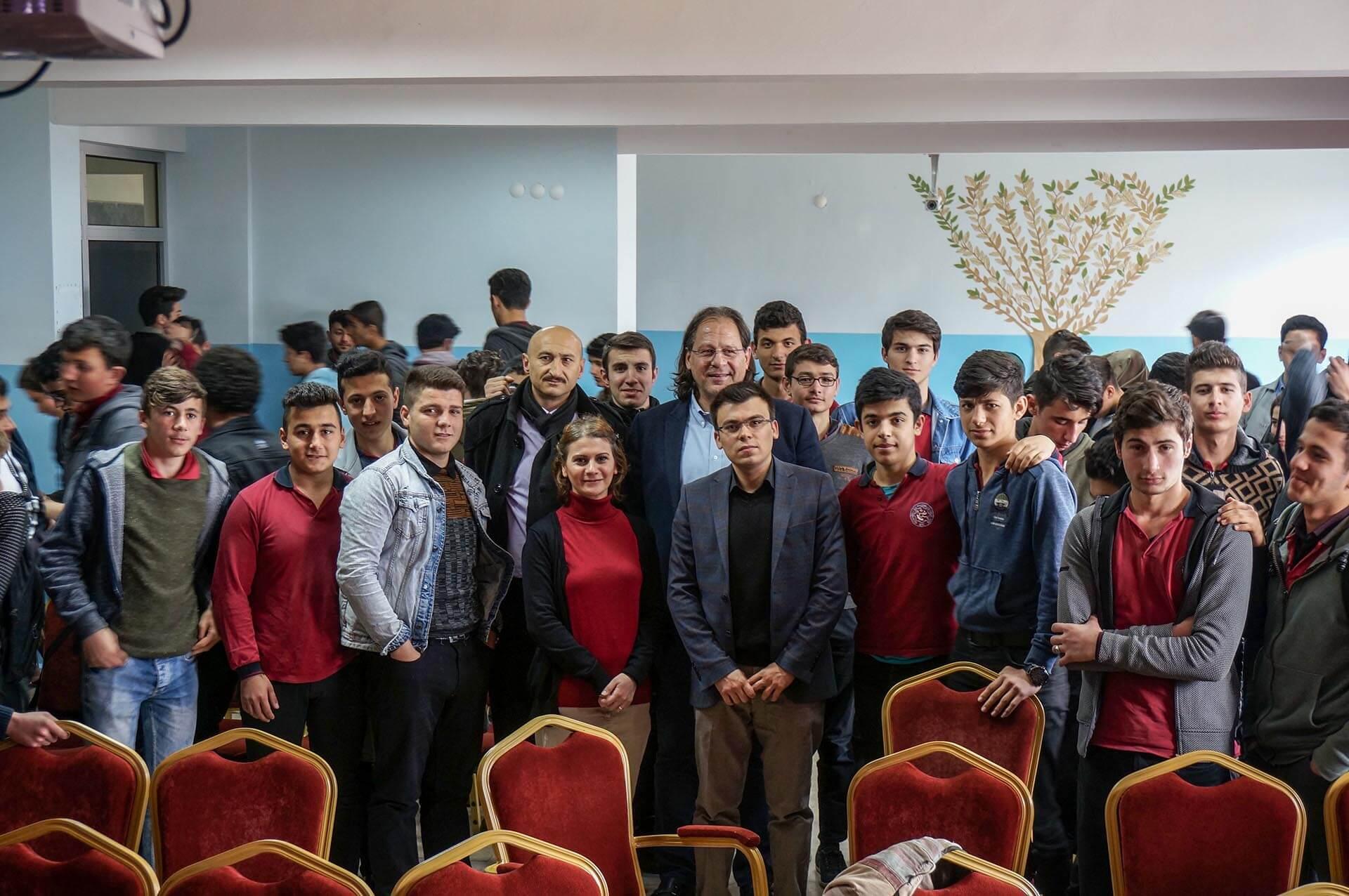 Sultanbeyli Çok Programlı Anadolu Lisesi'nde Ahşap Yapılar Hakkında Sunum