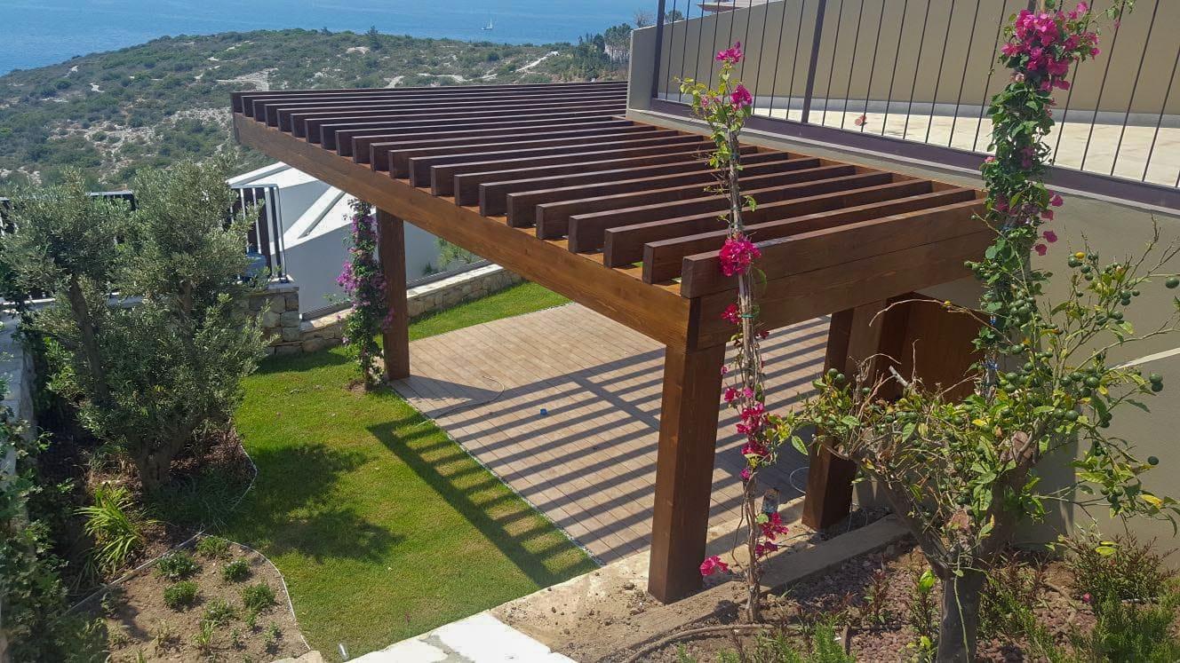 Hotel Resort'ün Ahşap Pergolata ve Deck Uygulamaları Bodrum