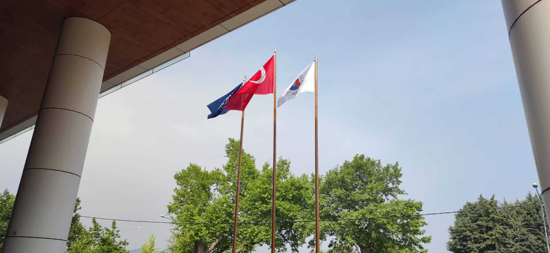 Ahşap Bayrak Direkleri Yalova Ticaret ve Sanayi Odası